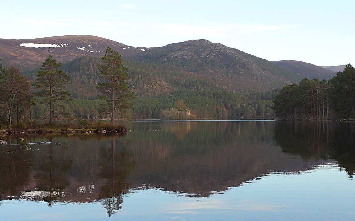 Loch-an-Eileen-61164099